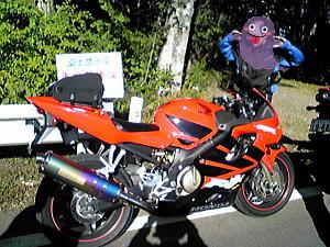 keiさんのバイクとかみさま軍団の方.JPG
