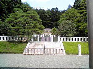 多摩御陵f.JPG